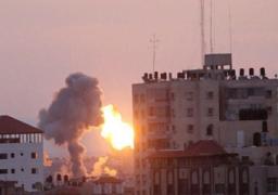 """حماس تندد بتصعيد إسرائيل غاراتها على غزة وتتوعدها بـ""""الرد"""""""
