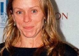 تكريم الممثلة الأمريكية ماكدورماند في مهرجان فينيسيا السينمائي