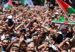 مسيرة جماهيرية تدعو للوحدة الوطنية وفك الحصار وإعادة الإعمار في غزة