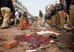 إغلاق الحدود بين باكستان والهند بعد مقتل 60 شخصا فى تفجير انتحارى