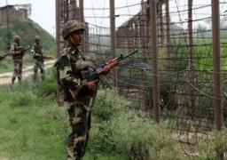 مقتل 35 على الأقل وإصابة 70 في انفجار على الحدود بين باكستان والهند