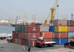 وصول عبارة تحمل 824 سيارة الي ميناء الاسكندرية