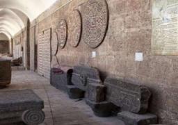 الشرطة الإيطالية تصادر قطعا فنية أثرية مسروقة ومتحفا خاصا