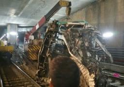 """""""المترو"""" ينفي نشوب حريق بالخط الأول.. ويؤكد الانتهاء من رفع العربة الثانية بقطار العباسية"""
