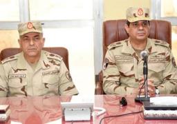 """الرئيس يحذر بـ""""الزي العسكري"""": الجيش لن يفرط فى ذرة من تراب مصر"""