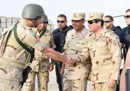 بالصور.. السيسي على جبهة الحرب ضد الإرهاب في سيناء