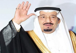 خادم الحرمين يغادر السعودية في جولة خليجية