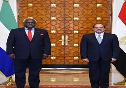 بالصور.. الرئيس السيسي يستقبل رئيس جمهورية سيراليون