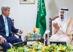 كيري يصل السعودية سعيا للدفع نحو حل للنزاع في اليمن