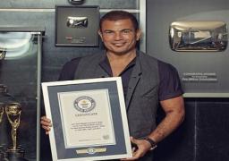 عمرو دياب أول مطرب عربي يسجل اسمه في موسوعة جينس العالمية