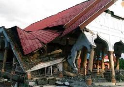 عشرات القتلى جراء زلزال قوى يضرب جزيرة سومطرة الإندونيسية