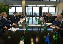 بالصور .. شكرى يسلم رسالة من السيسى إلى رئيسة استونيا تتناول تعزيز العلاقات بين البلدين