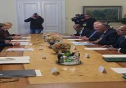 وزير الخارجية يعقد جلسة مباحثات مع نظيره السلوفيني