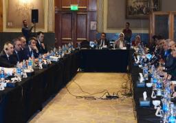 نصر تؤكد حرص مصر على تعزيز العلاقات مع أذربيجان