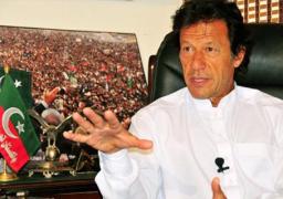 عمران خان يتولى رئاسة الوزراء في باكستان بعد أداء اليمين