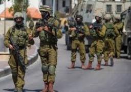 الاحتلال الإسرائيلي يعتقل 12 فلسطينيا من الضفة الغربية