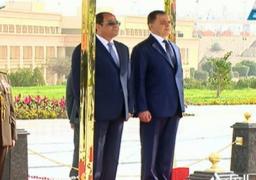 الرئيس السيسى يضع إكليلا من الزهور على النصب التذكارى لشهداء الشرطة