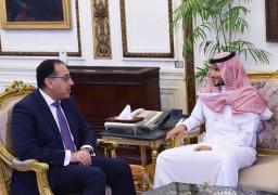 """بالصور.. رئيس الوزراء يلتقى الرئيس التنفيذي لشركة """"كي بي دبليو"""" للاستثمار"""