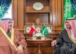 الجبير يبحث مع وزير الخارجية البحريني العلاقات الثنائية والوضع بالمنطقة