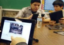 التعليم: تشغيل منصة الامتحان الإلكترونى وغرفة عمليات لقياس التحميلات