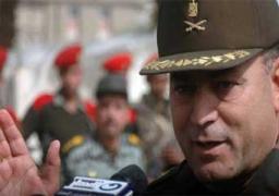 قائد الجيش الثالث يجتمع مع عمال السخنة بعد إنهاء إضرابهم