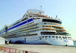 """وزارة النقل تدفع بسفينة لنقل المصريين من الحدود """"الليبية -التونسية"""""""
