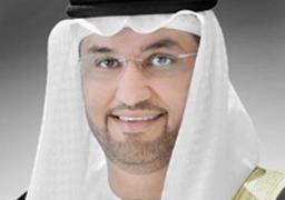 وزير الدولة الإماراتي يتفقد النموذج النهائي لـ300 حافلة لتوريدها لهيئة النقل العام بالقاهرة