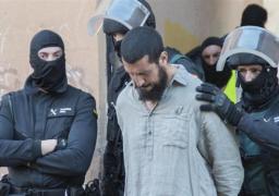 الشرطة التركية تعتقل مسلحين مشتبه بهما قرب قصر دولما بهجة فى اسطنبول