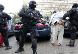 """فرنسا تحدد هوية الانتحاري الثالث في الهجوم الإرهابي على مسرح """"باتاكلان"""""""