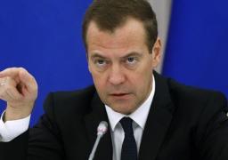 """ميدفيديف: العلاقات مع الغرب معقدة ولكن """"الحرب الباردة"""" في القرن 21 مستحيلة"""