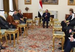 السيسي يرحب بمشاركة الشركات العربية في التنقيب عن النفط والغاز بمصر