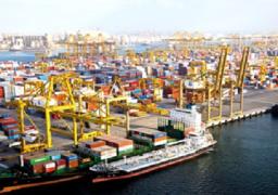 ميناء دمياط يستقبل 10 سفن للحاويات والبضائع العامة