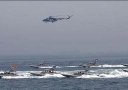 إيران تجري مناورات بحرية ضخمة