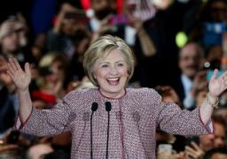 كلينتون تفوز في الجولة الاخيرة من الانتخابات التمهيدية