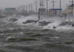 """إخلاء سواحل كارولاينا الجنوبية الأمريكية من السكان استعدادا للإعصار """"ماثيو"""""""