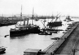 150 عاماً على افتتاح قناة السويس .. الملاحة الأكثر أماناً فى العالم