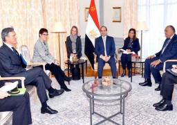 الرئيس السيسي يبحث تعزيز التعاون العسكرى مع وزيرة الدفاع الألمانية