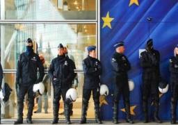 """""""يوروبول"""" تحذر من استغلال المجرمين بسبب """"كورونا"""" في زيادة جرائمهم"""