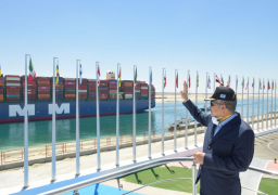 قناة السويس تسجل عبور 19311 سفينة بحمولات 1.21 مليار طن خلال عام.. صور