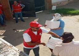 الهلال الأحمر المصري يواصل دعم الأسر المتضررة من كورونا بالمحافظات