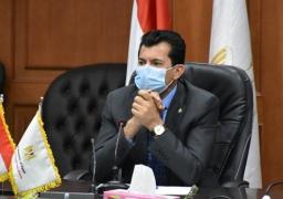 وزير الرياضة يتابع تعقيم وتطهير الصالات المغطاة لمونديال اليد