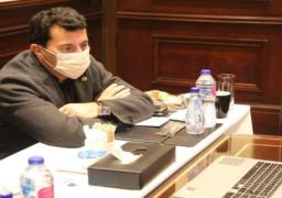 وزير الرياضة يجتمع مع روؤساء الوفود المشاركة في مونديال اليد لطمأنتهم على الإجراءات الصحية والتنظيمية