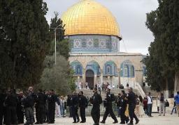 عشرات المستوطنين يقتحمون المسجد الأقصى .. وإسرائيل تعتقل 11 من عرب الداخل