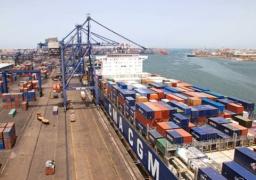 تداول 22 سفينة حاويات وبضائع عامة بموانئ بورسعيد