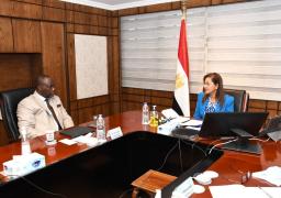 وزيرة التخطيط تلتقي رئيس مؤسسة التمويل الأفريقية