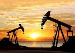 النفط يتجه لتسجيل أسوأ أداء يومي منذ مارس