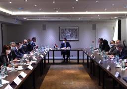 في ختام زيارته لباريس : رئيس الوزراء يلتقي مجموعة من رؤساء وممثلي أكبر الصناديق الاستثمارية والبنوك الفرنسية