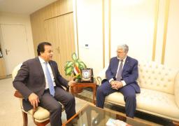 وزير التعليم العالي يعقد اجتماعًا مع رئيس الجامعة الأمريكية في بيروت