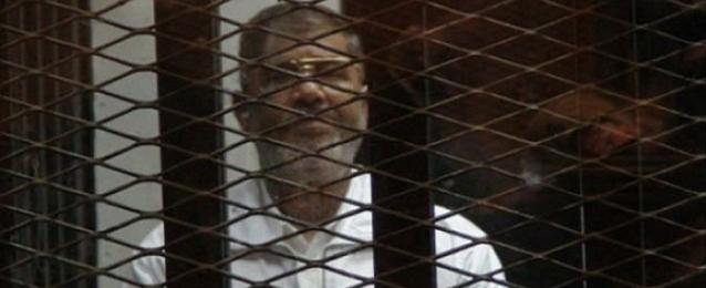 """21 إبريل.. الحكم على """"مرسى"""" و14 آخرين في """"أحداث الاتحادية"""""""