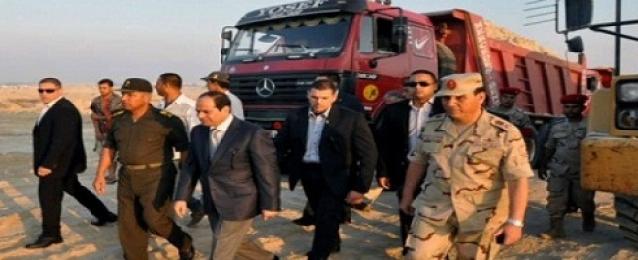 السيسي يصل الإسماعيلية لزيارة مشروع قناة السويس الجديدة
